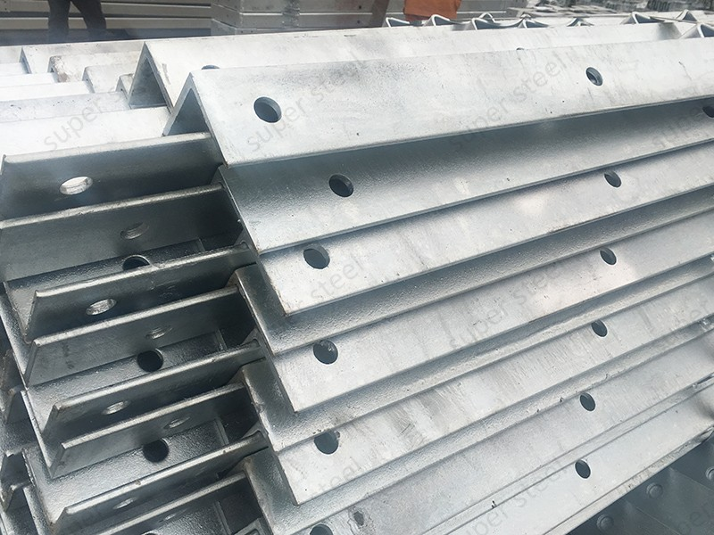 Cutting Alloy Steel Equal Angles
